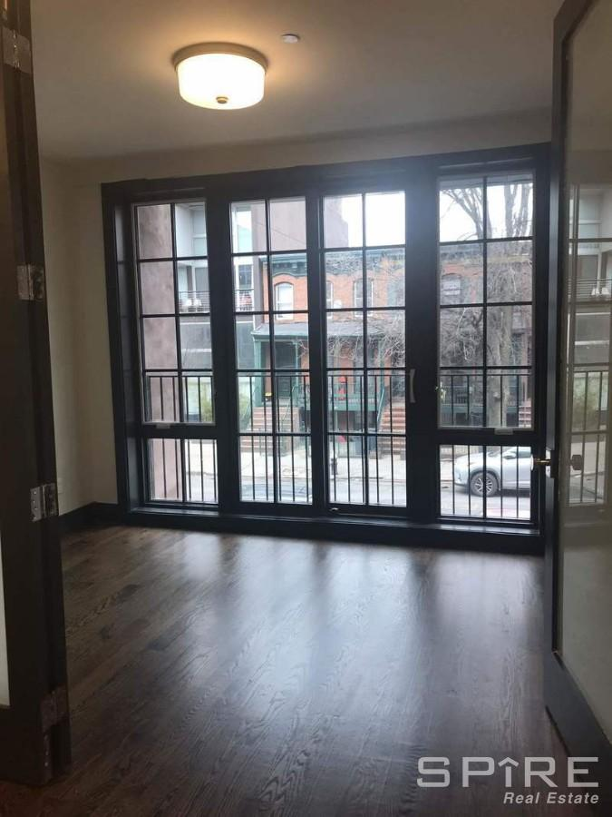 4 Apartment in Prospect Heights