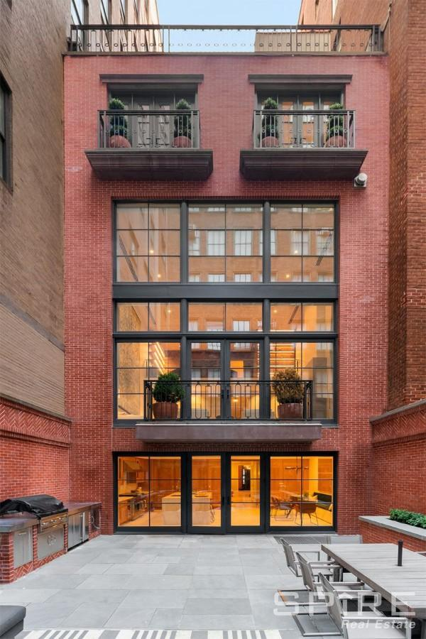 6 Townhouse in Manhattan