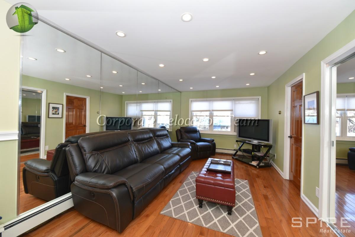 3 Apartment in Woodside