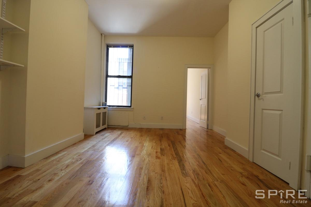 1 Apartment in Clinton