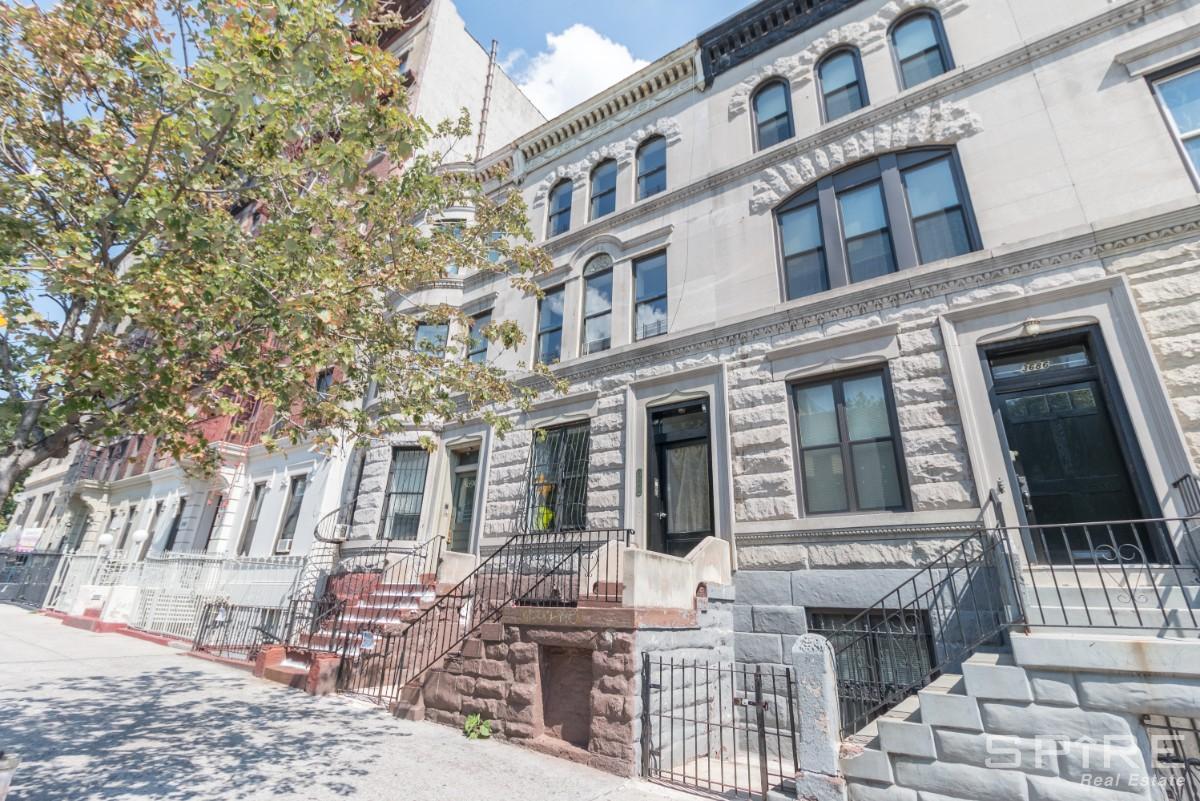 3.5 Apartment in Manhattan