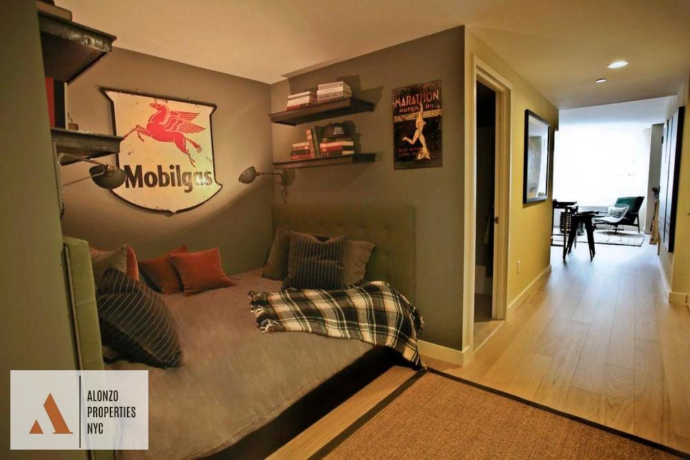 West 45th Street   New York Apartments: Midtown West Alcove Studio