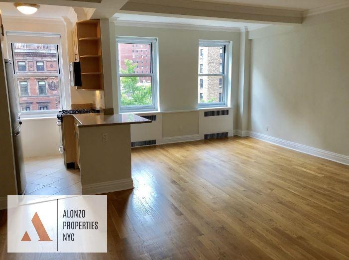 Apartment For Rent Park Avenue Photo 1