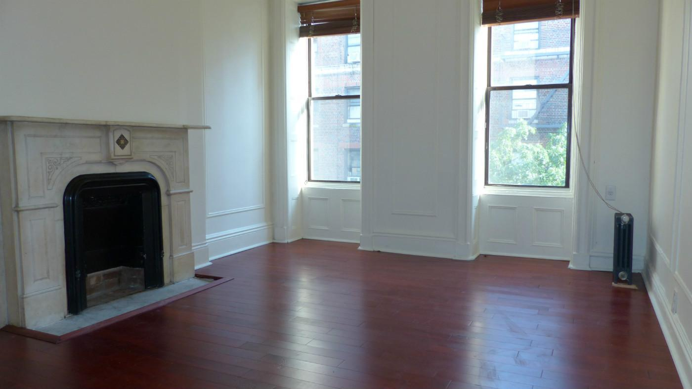 NYC Apartments: Midtown West 3 Bedroom Apartment for Rent