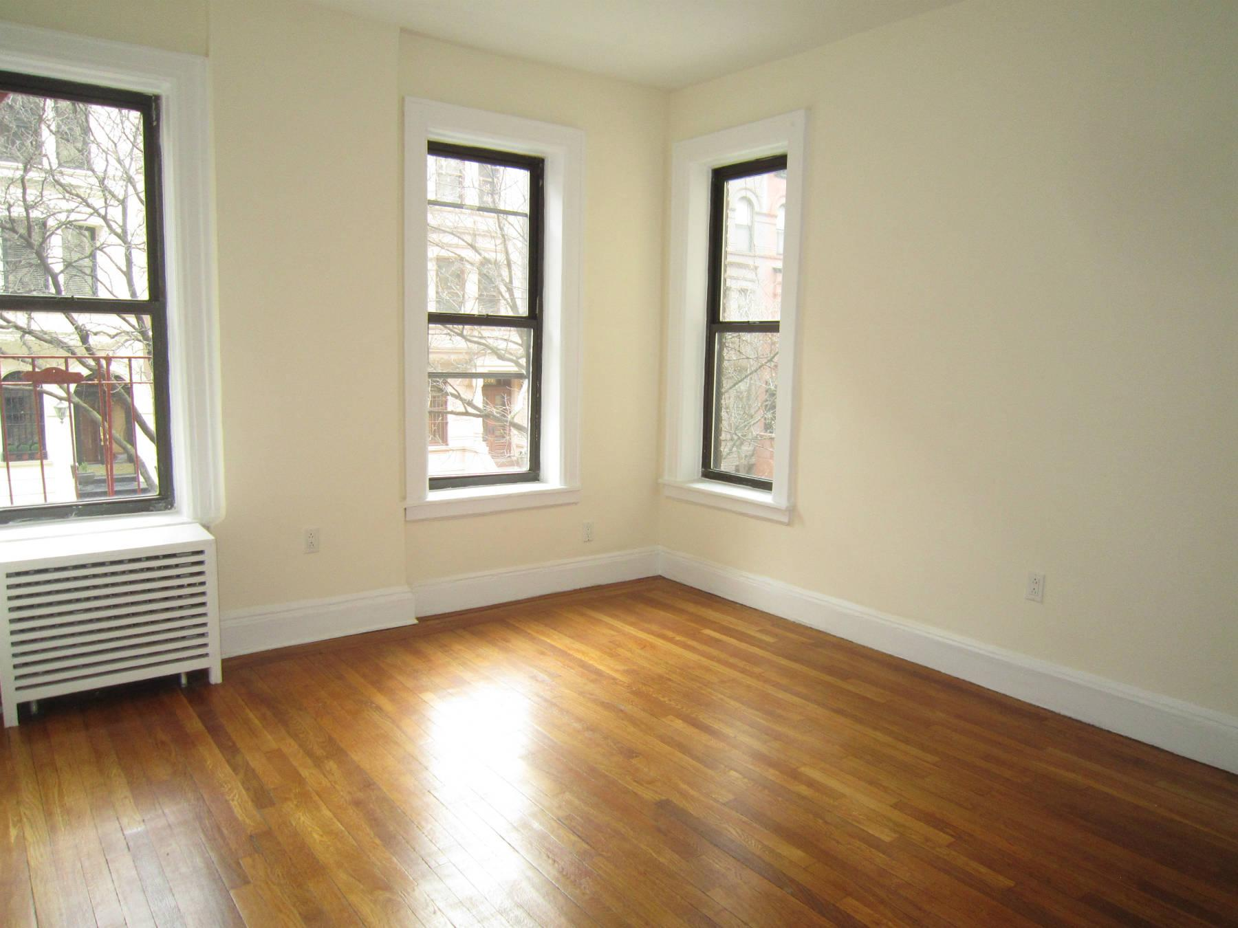 325 W 71st Street, Apt 2D, Manhattan, New York 10023