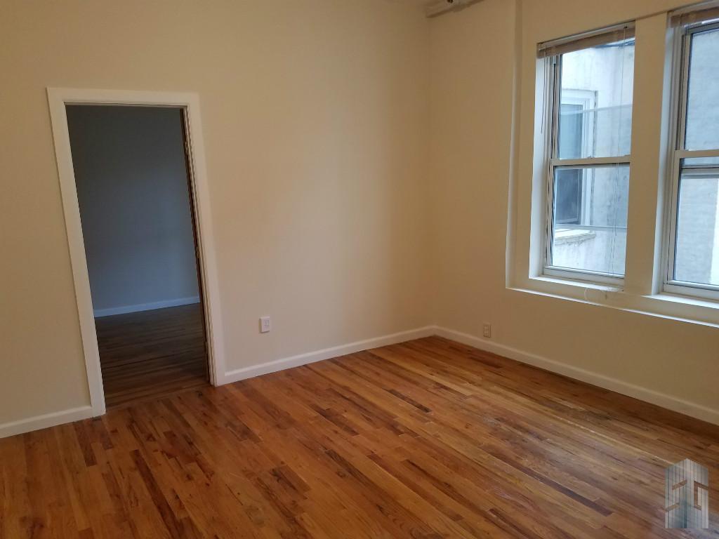 490 Ocean Pkwy 2 Brooklyn Ny 11218 Brooklyn Apartments Kensington 2 Bedroom Apartment For Rent
