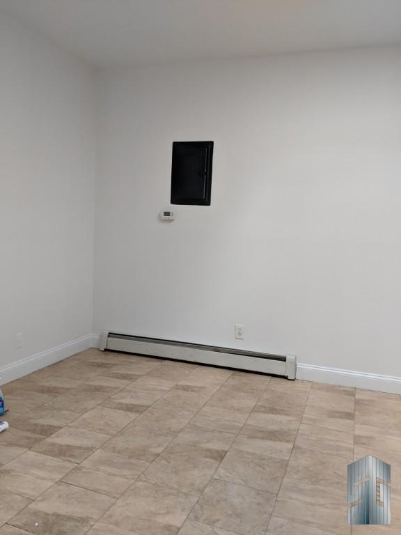 Living room/common