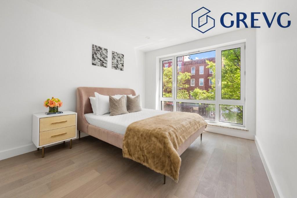 975 Manhattan Avenue Greenpoint Brooklyn NY 11222