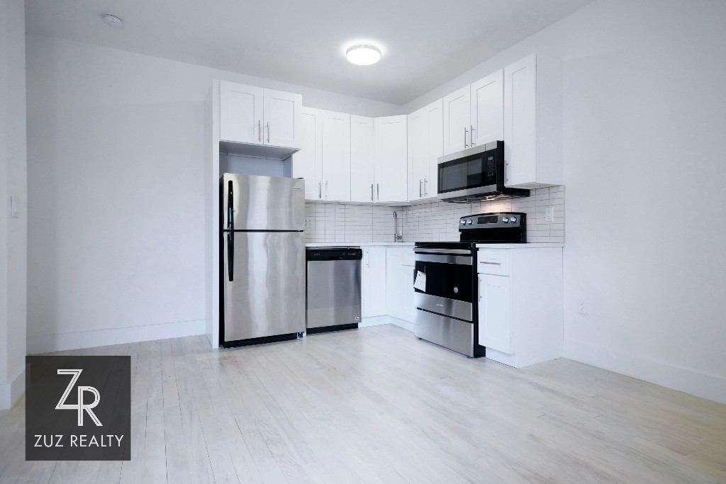 3 Apartment in Weeksville