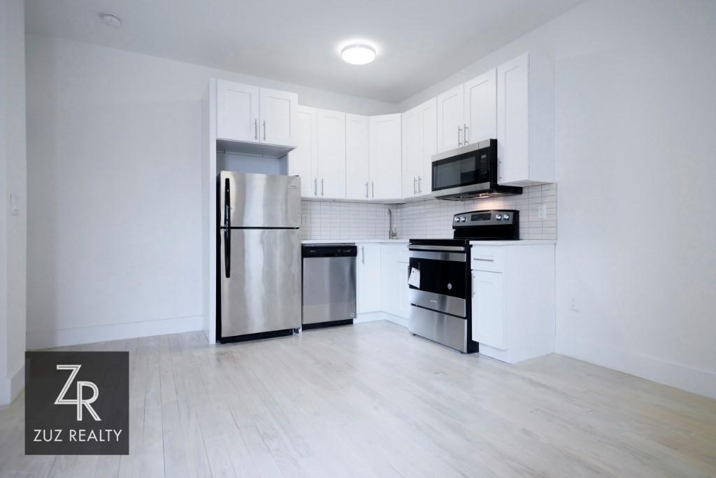 3 Apartment in Weeksville