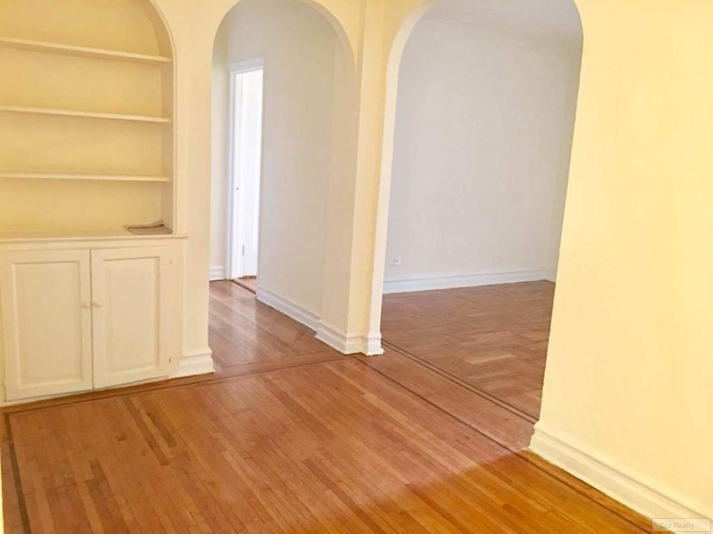 Studio Apartment in Prospect Park South