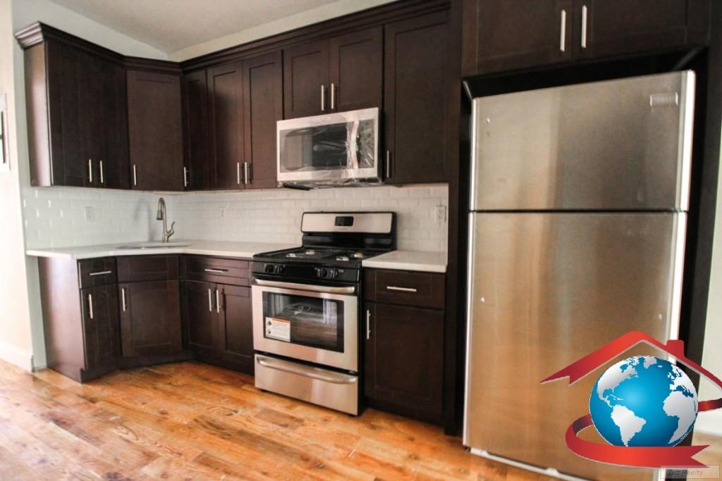 3 Apartment in Stuyvesant Heights