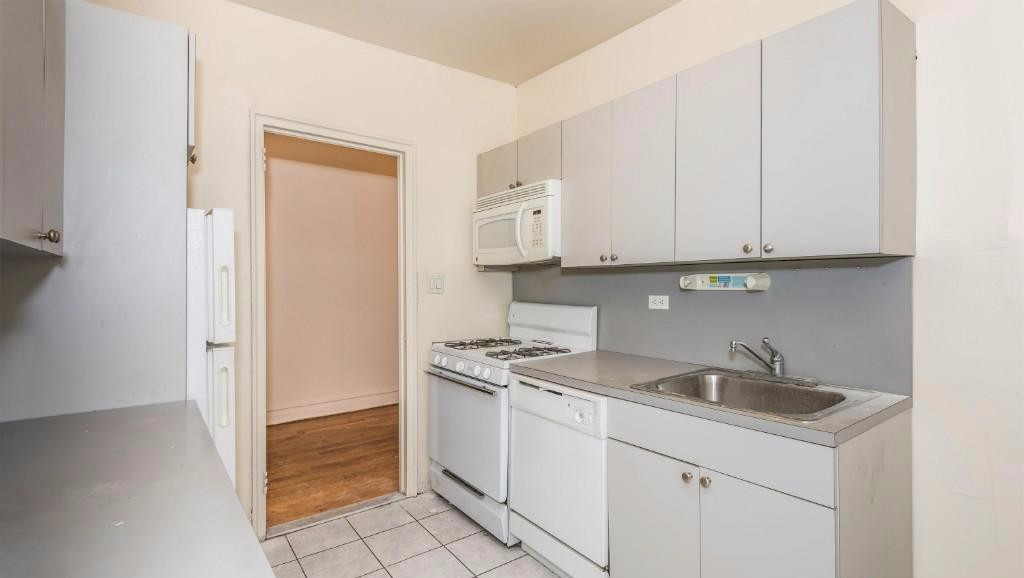 1 Apartment in Bensonhurst