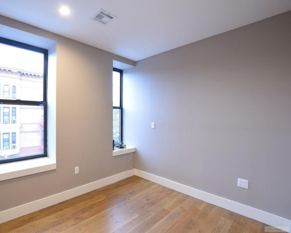 4 Apartment in Stuyvesant Heights