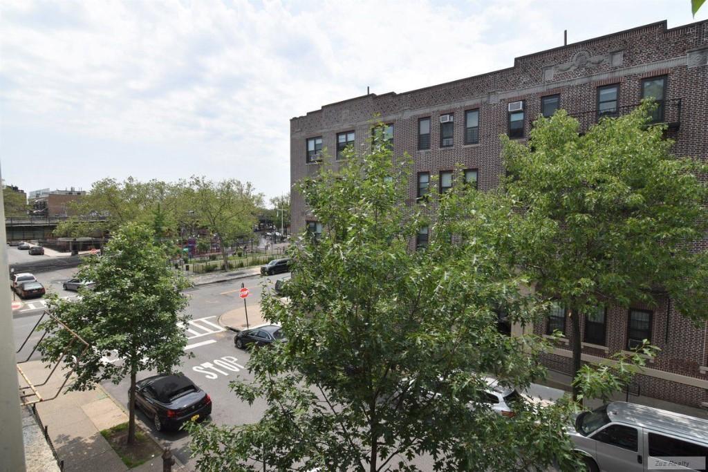 1 Apartment in Borough Park