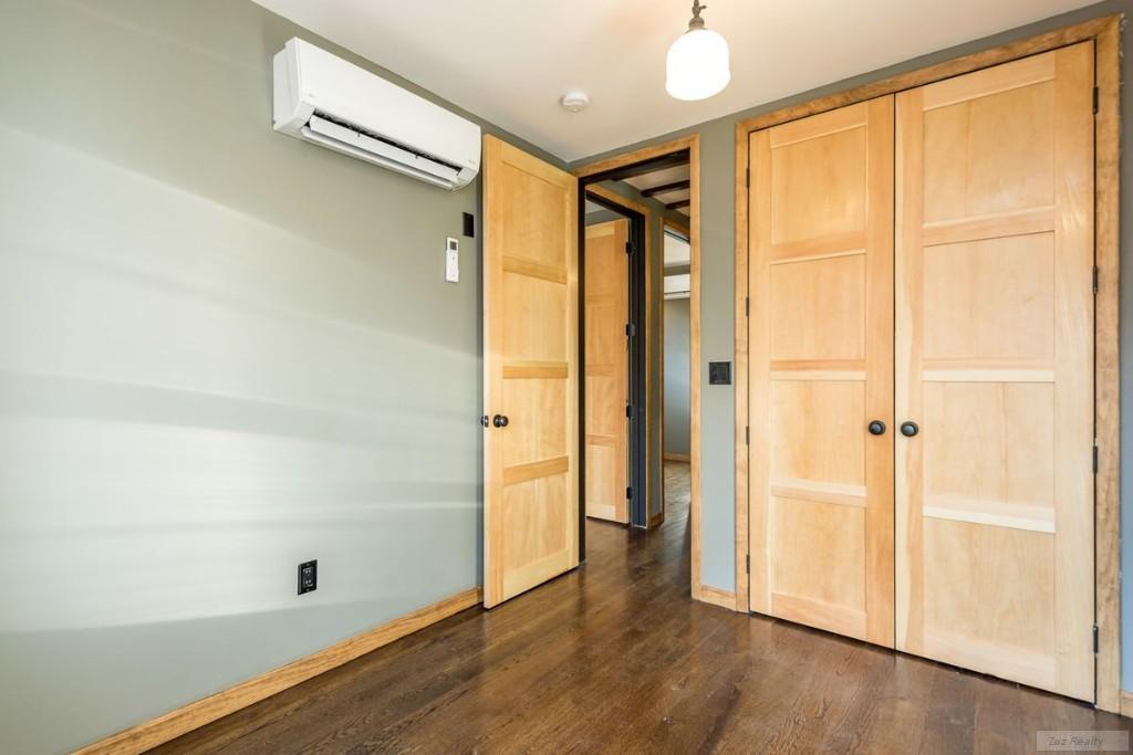 4 Apartment in East Williamsburg