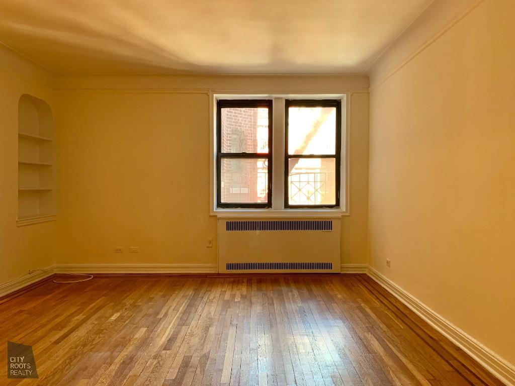 155-01 90th Avenue Interior Photo