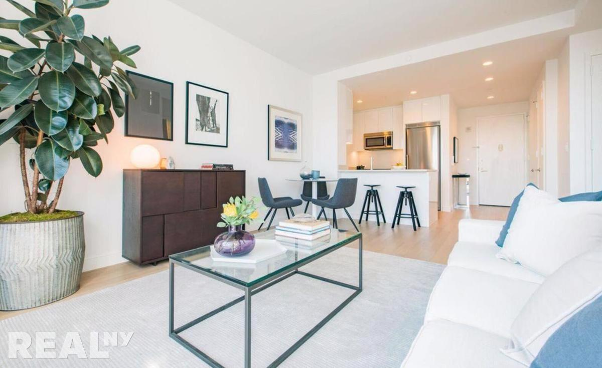 Lower East Side 3 Bedrooms Apartment For Rent Delancey Photo 1
