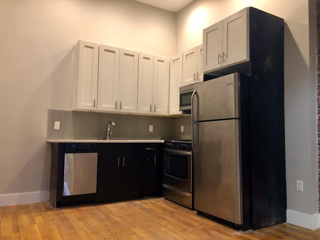3 Apartment in Bushwick