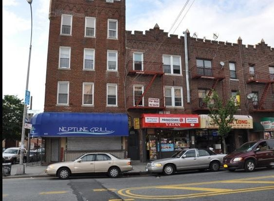 Commercial Commercial in Brighton Beach
