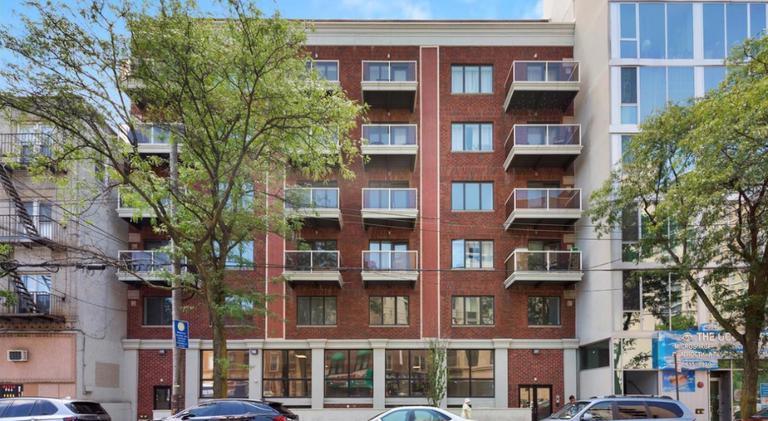 2 Apartment in Brighton Beach