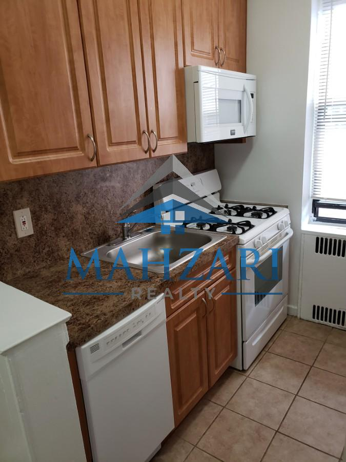 2 Apartment in Rego Park