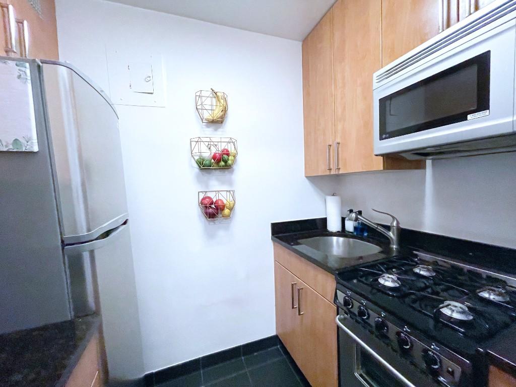 211 East 53rd Street Turtle Bay New York NY 10022