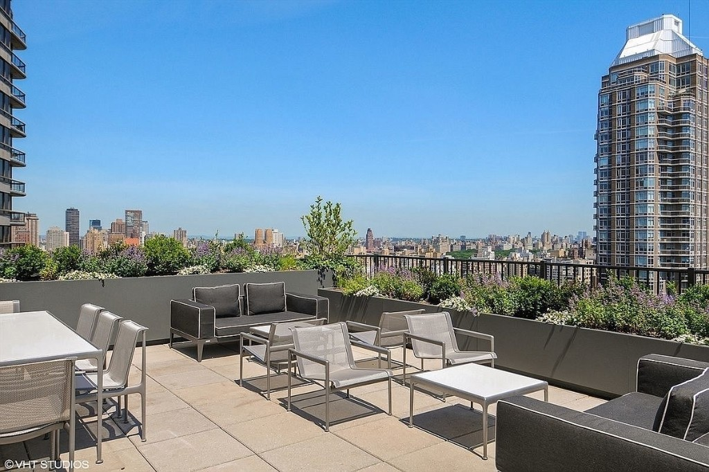 Apartment for sale at 200 East 62nd Street, Apt 10B