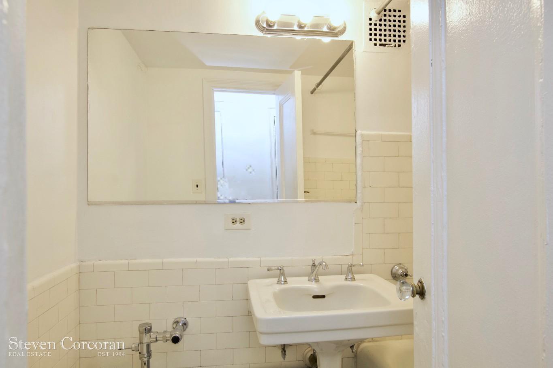 Bathroom (Subway tile)