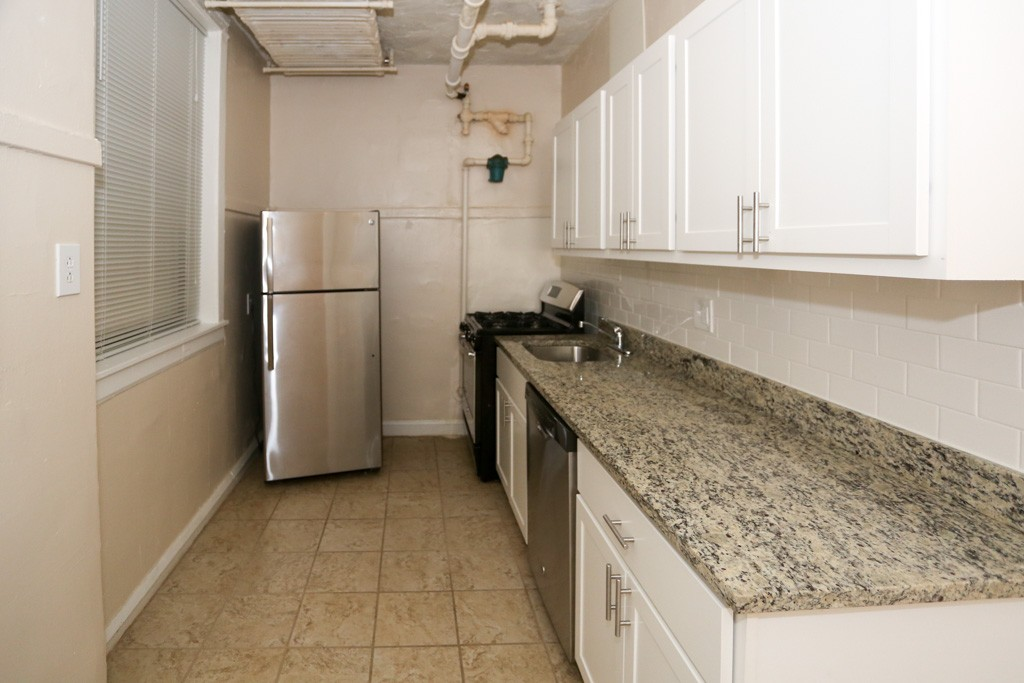 520 W Cornelia Grd Chicago Il 60613 Chicago Apartments Lakeview 1 Bedroom Apartment For Rent