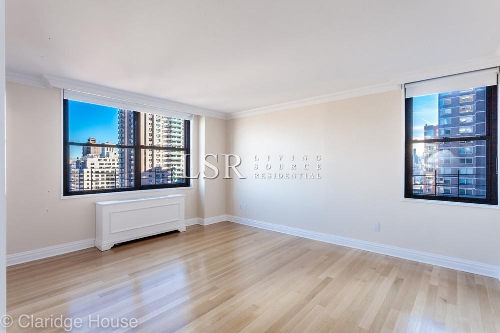 1 Apartment in Upper East Side