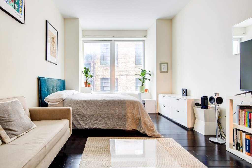 Studio Condo in Financial District