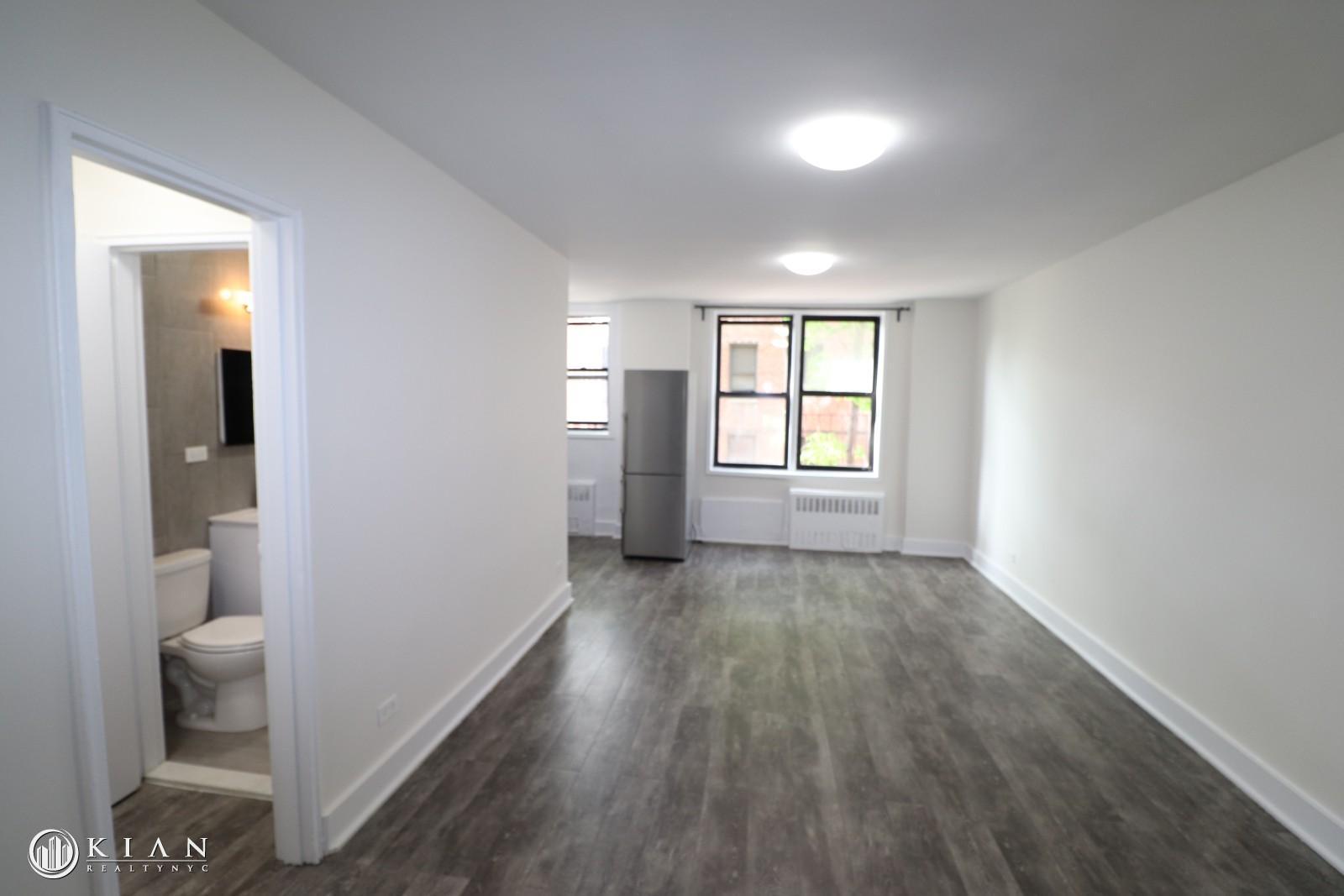 132-45 Maple Avenue, Flushing, NY - 1,604 USD/ month