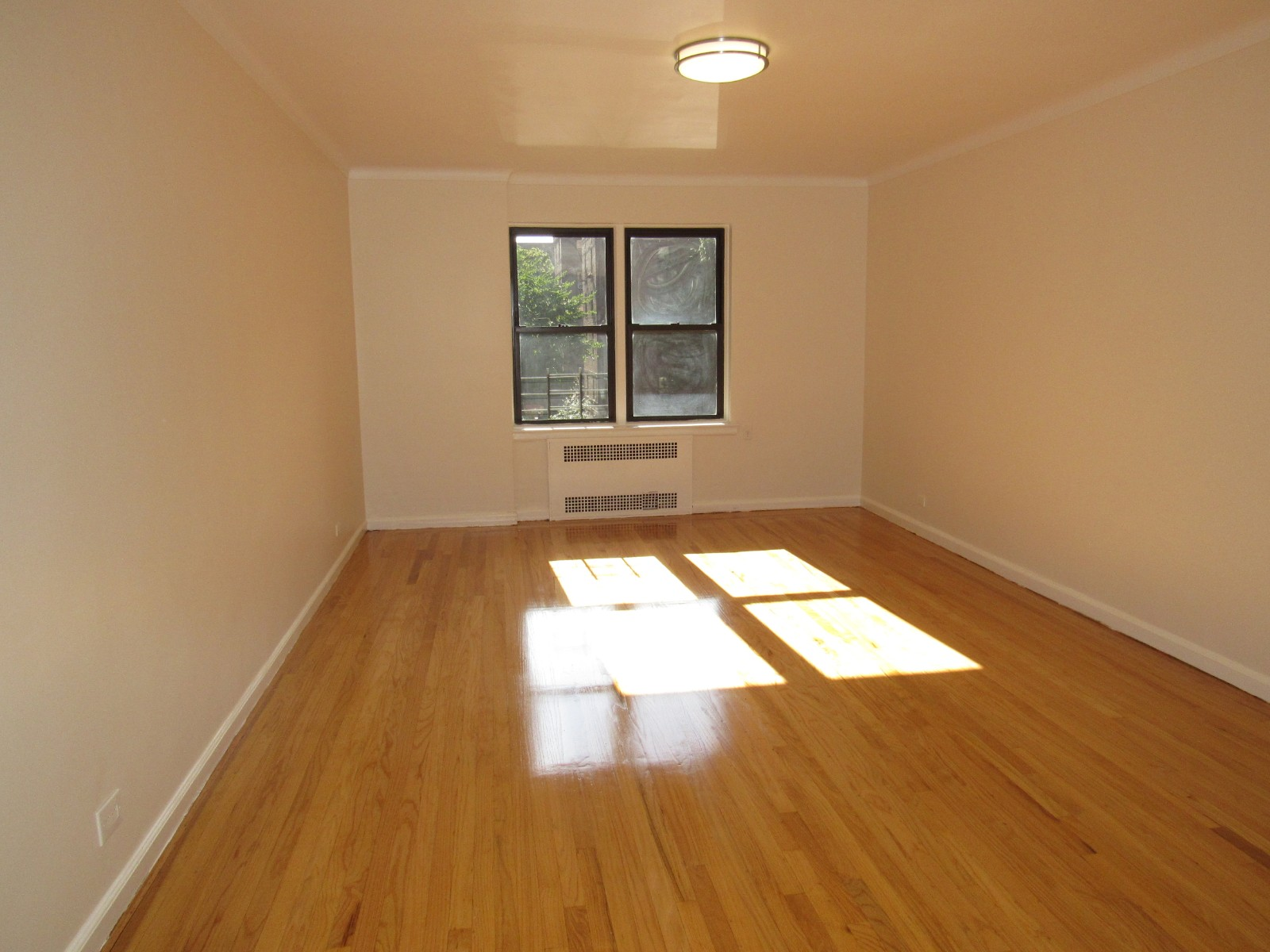 65-09 99th Street, Flushing, NY - 2,800 USD/ month