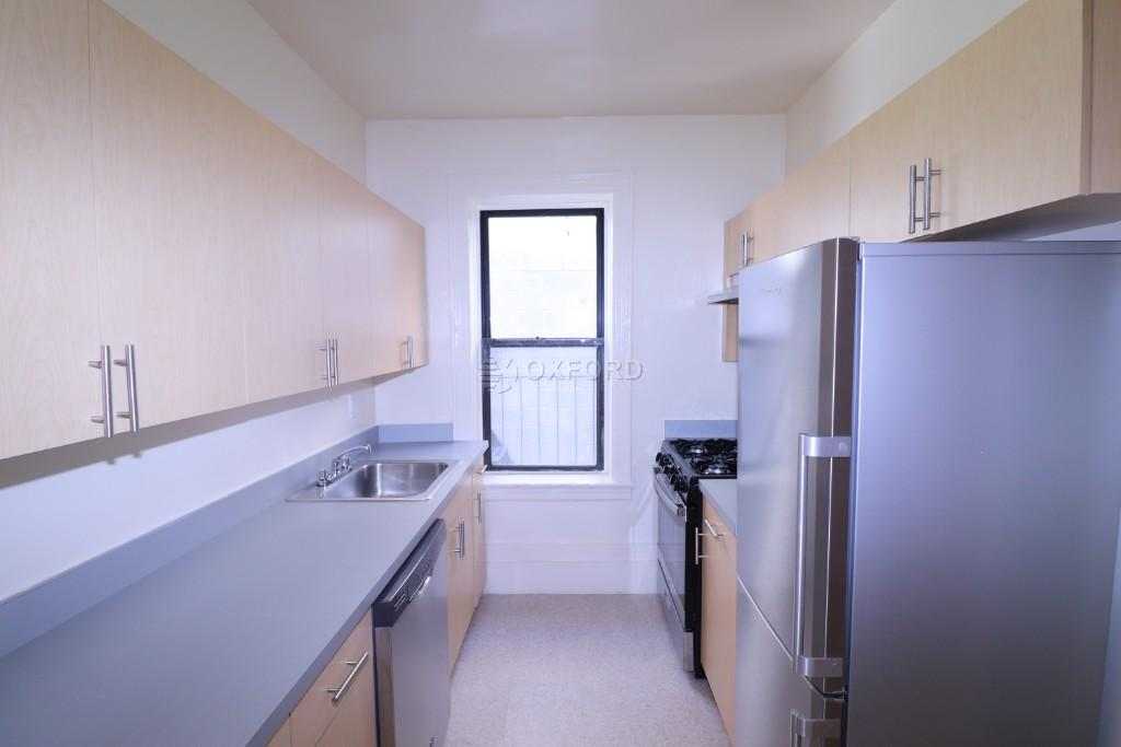 102-43 CORONA AVE., Corona, NY - 1,800 USD/ month