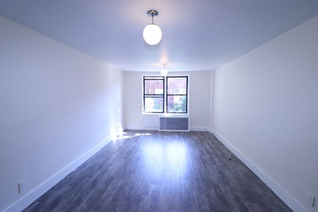 41-40 Denman Street, Elmhurst, NY - 1,740 USD/ month