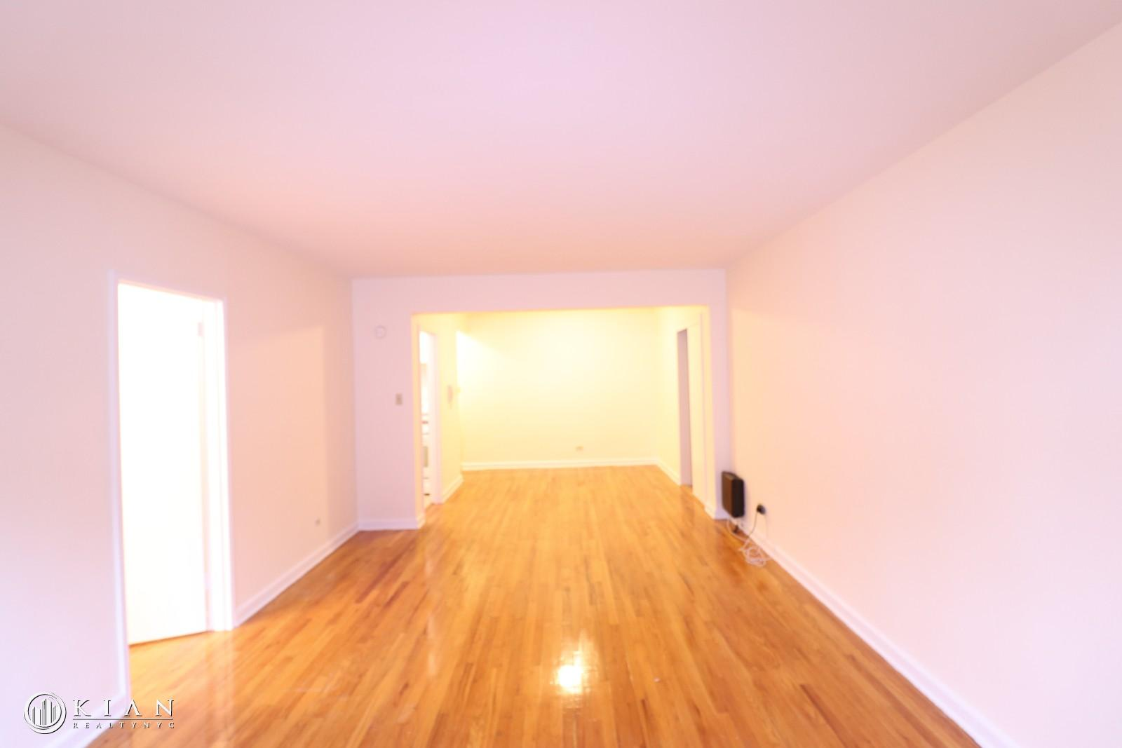 34-15 Parsons Boulevard Interior Photo