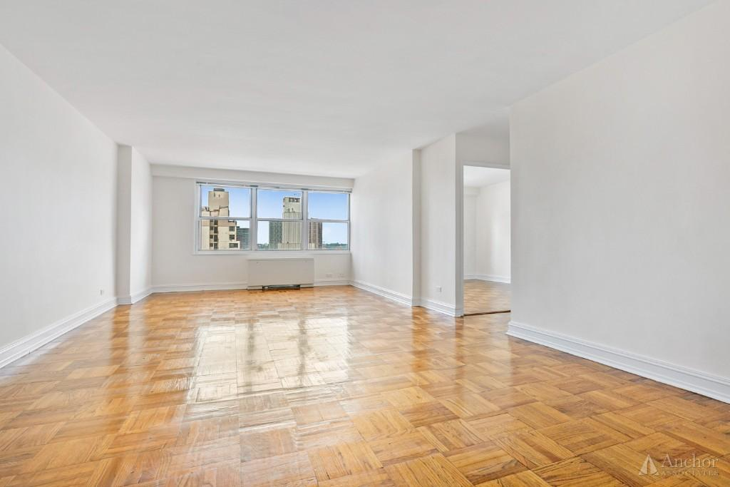 No Fee! Columbus Circle, Central Park, Stylish 24DM bldg. 1br with Stunning  Finishes!