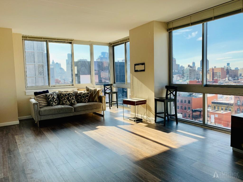 2.5 Bedroom Apartment in Lower East Side