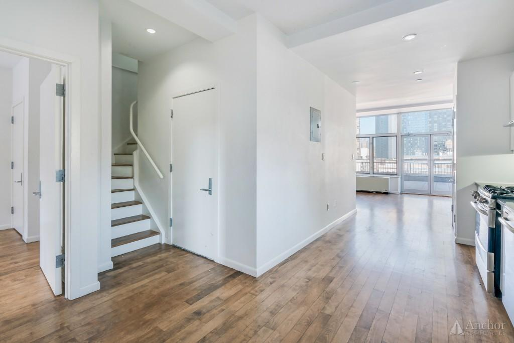 NO FEE 446 W 38th St - Penthouse - 3 Bed 2 Bath ++ Private Elevator ++ Huge Outdoor Spaces ++ W/D
