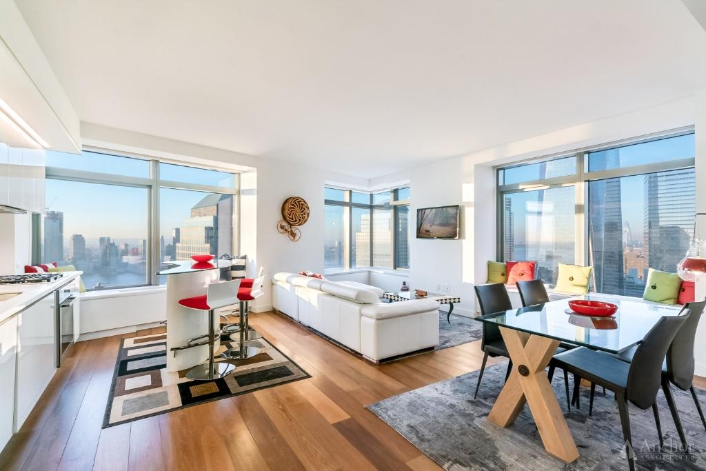 2 Bedroom Condo in Financial District