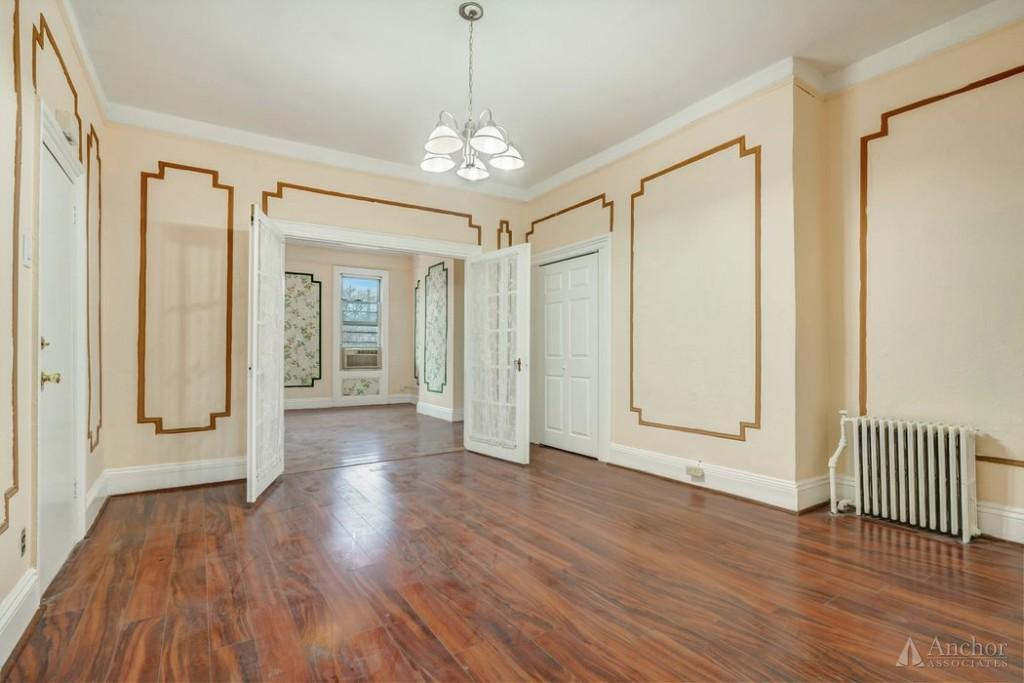 1.5 Bedroom House in Long Island City