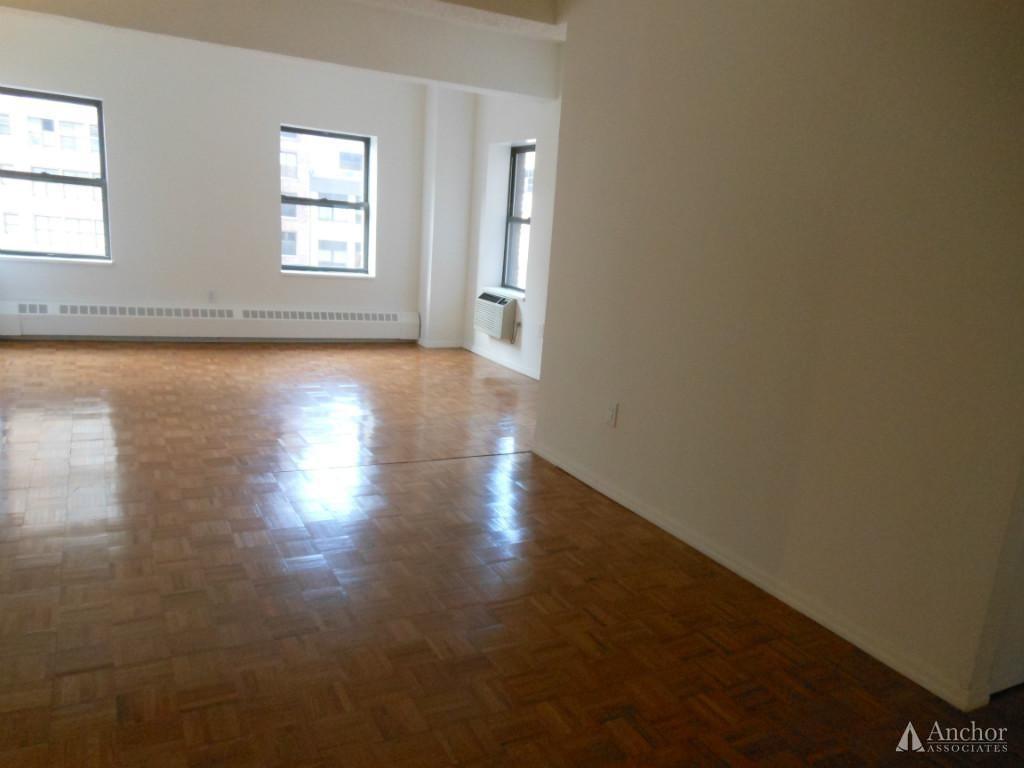 3 Bedroom Apartment in Clinton