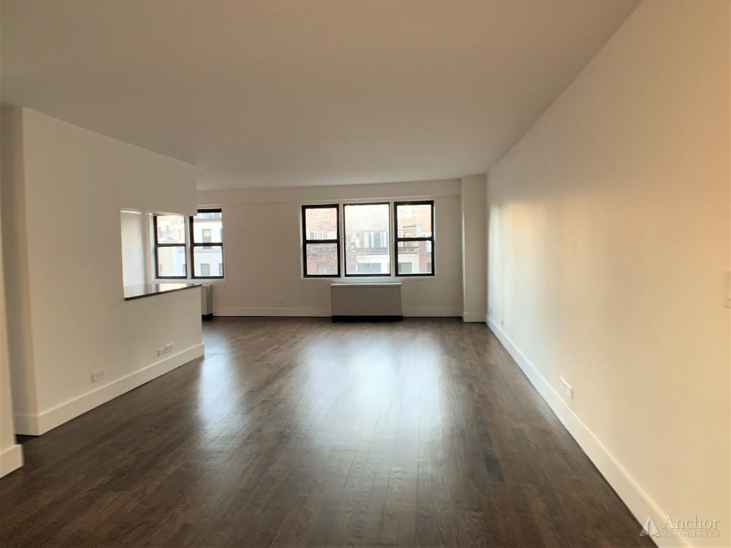 NO FEE! Amazing 2 bdr, two bath, luxurious building, Lenox Hill, gym, laundry, full service.