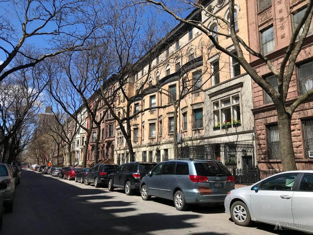 1 Bedroom Townhouse in Upper West Side