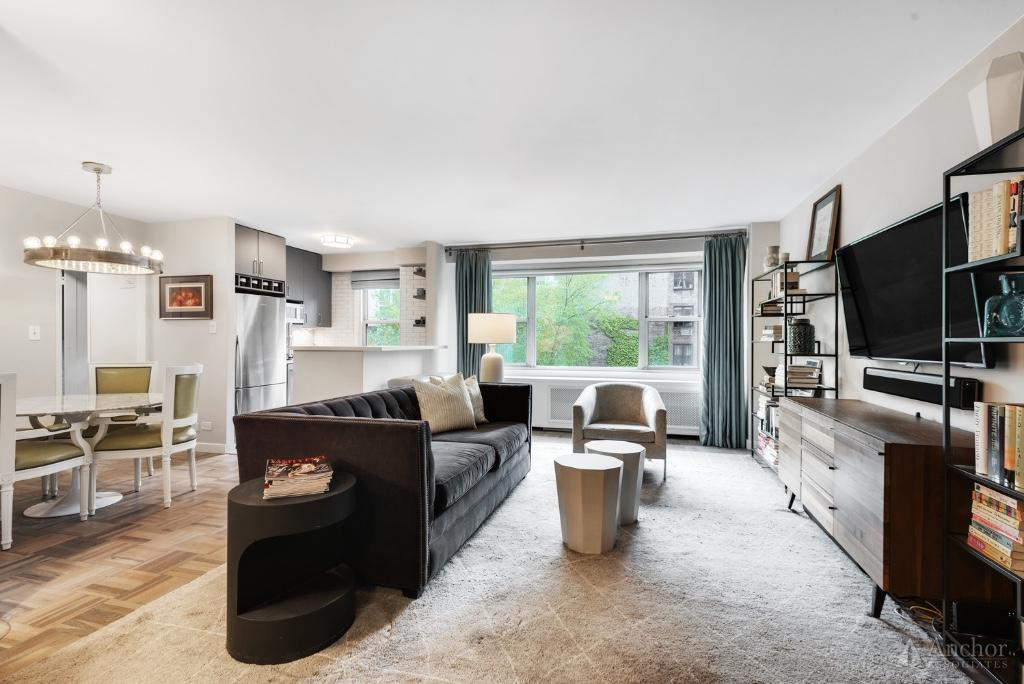 Hudson Square, 24 Hour Doorman, West Facing, Maint: $1391, 48% Tax Deduct