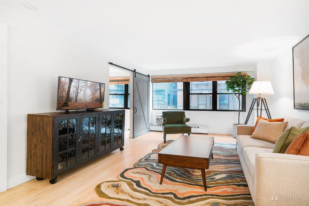 1 Bedroom Coop in Gramercy Park