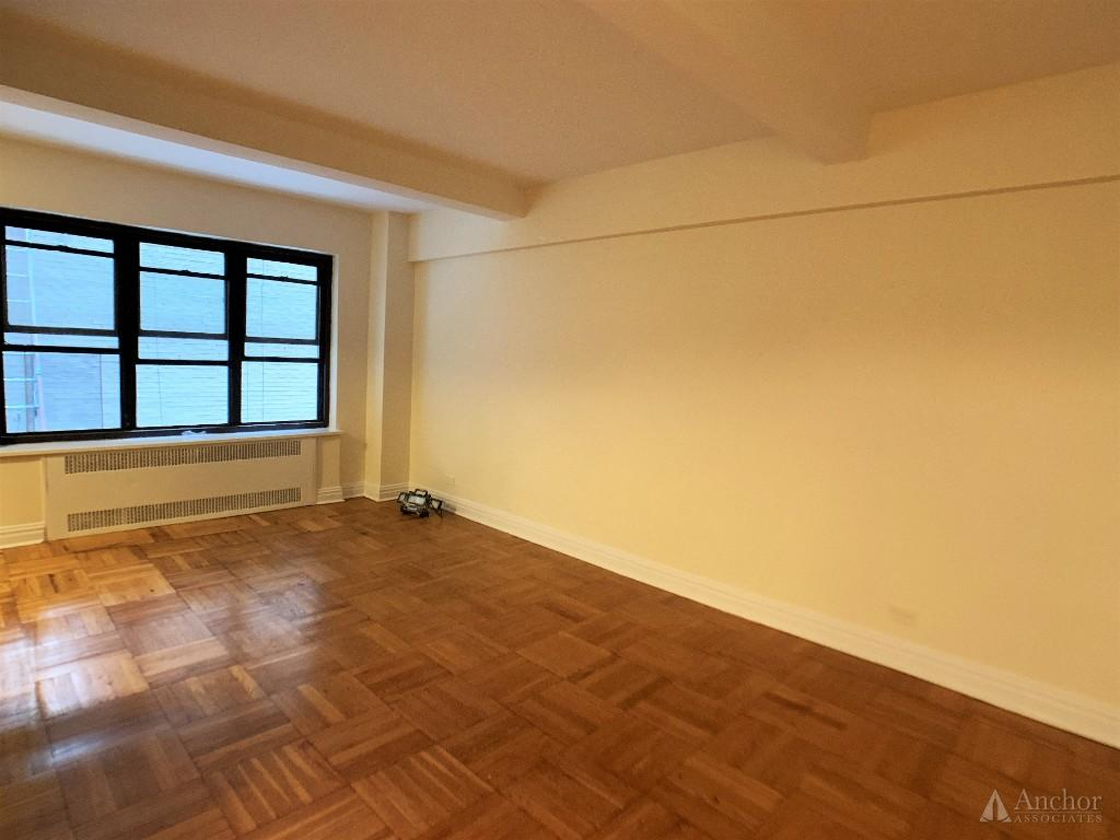 Studio Apartment in Midtown East