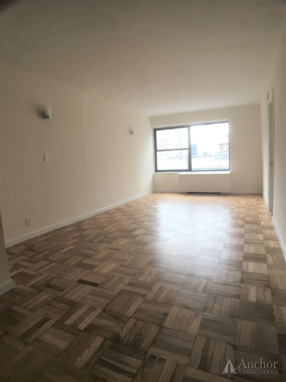 2 Bedroom Apartment in Upper East Side
