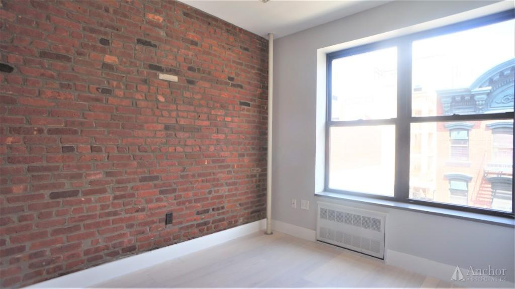 5 Bedroom Apartment in Lower East Side